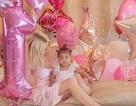 Khloe Kardashian tổ chức sinh nhật xa hoa cho con gái 1 tuổi