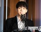 """Cảnh sát cấm """"Hoàng tử gác mái"""" Park Yoochun xuất ngoại"""