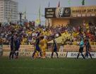 Thi đấu thiếu người, SL Nghệ An vẫn thắng Thanh Hoá