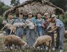 """Ảnh kỷ yếu """"nông trại vui vẻ"""" trên thảo nguyên của học sinh Nghệ An"""