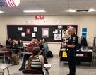 Mỹ: Học sinh được dạy kỹ năng sống bao gồm cách hành xử khi bị cảnh sát bắt