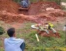 Thi thể người phụ nữ bị cuốn chăn dưới giếng nước bỏ hoang