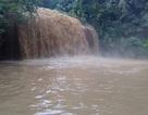Nước đổ về thác Prenn Đà Lạt chuyển màu, đặc quánh bùn thải