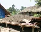 Hơn 50 nhà dân bị lốc xoáy thổi bay mái