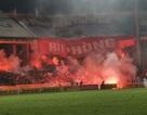 Lẽ nào bóng đá Việt Nam chịu thua pháo sáng?!