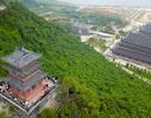 Độc đáo ngôi chùa có pho tượng Phật hồng ngọc nặng 4 tấn