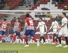 Atletico đánh bại Valencia, Barcelona chưa thể vô địch La Liga