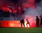 Pháo sáng khiến các đội bóng Việt Nam mất gần 2 tỷ đồng trong 4 năm