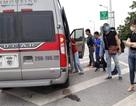 Hà Nội: Truy tìm xe 16 chỗ đội giá vé, bỏ khách giữa đường cao tốc