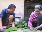 Gia đình bẻ lá chuối kiếm tiền gần 40 năm nay