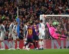 HLV Barcelona choáng vì siêu phẩm của Messi