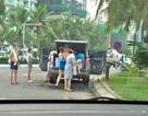 BQL bãi biển Sơn Trà nói gì về việc một gia đình dừng xe tắm tráng giữa đường?