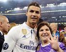 """Mẹ C.Ronaldo """"chữa ngượng"""" sau khi nhầm con trai giúp Juventus... trụ hạng"""