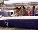 Công chúa Thụy Điển lướt ca nô du ngoạn sông Sài Gòn