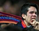 CĐV Barcelona khóc như mưa sau thất bại khó tin trước Liverpool