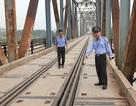 """Nguy cơ xảy ra thảm hoạ trên cây cầu """"độc nhất vô nhị"""" tại Bắc Giang: """"Hoá giải"""" ra sao?"""