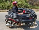 """Khách Tây """"choáng"""" với những kiểu lái xe """"độc nhất vô nhị"""" ở Việt Nam"""