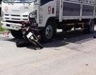 Học sinh lớp 11 tử vong khi va chạm với xe tải