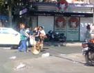 Phạt chủ shop quần áo 2,5 triệu đồng vụ đánh cô lao công