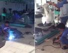"""Cư dân chung cư lo lắng vì cửa hàng sửa chữa xe máy """"phun lửa"""""""