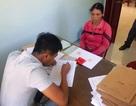 Hai học sinh lớp 3 trả lại vàng, người mua phế liệu xúc động