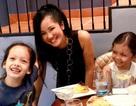 """Hồng Nhung """"cai"""" mạng xã hội để tập trung chăm sóc các con"""