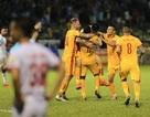 CLB Thanh Hoá thắng Nam Định sau trận cầu gây tranh cãi