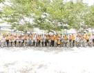Sun Life Việt Nam tặng 28 xe đạp, 125 xuất quà đến các em học sinh Quảng Nam