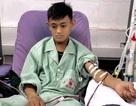 Xót xa chàng thanh niên bị suy thận vẫn cố sống lo cho người mẹ bệnh động kinh