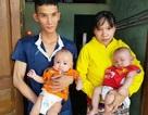 Xót xa 2 bé trai sinh đôi hơn 5 tháng tuổi bị đủ thứ bệnh hành hạ
