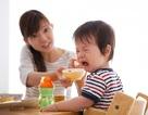 Trẻ biếng ăn, chậm tăng cân? Cảnh báo những sai lầm của cha mẹ