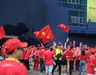 Sắc đỏ cổ động viên Việt Nam tràn ngập sân Chang Arena