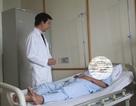 Mổ lấy chiếc xương cá dài 2cm mắc ở ống hậu môn nam bệnh nhân