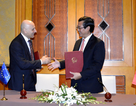 Việt Nam - Italia ký kết hợp tác trong giáo dục và cấp học bổng