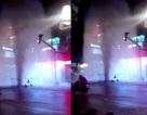 """""""Vòi rồng"""" phun cột nước cao gần 10m trên phố Sài Gòn"""