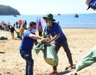 """Tuổi trẻ làm sạch biển với chủ đề """"Tử tế với Đại dương"""""""