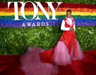 Nam diễn viên Billy Porter nổi bật với váy hồng trong sự kiện