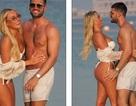 Amber Turner tình tứ bên bạn trai trên bãi biển Dubai