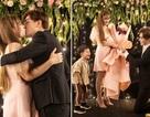 Thu Thủy khóc khi bạn trai kém 10 tuổi bất ngờ cầu hôn