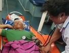 Cấp cứu khẩn cấp thuyền viên bị tai nạn lao động khiến máu chảy xối xả ở đầu, hôn mê