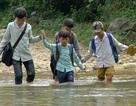 Cùng chung tay xây cầu đến lớp cho học sinh vùng khó khăn