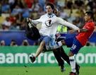 Tung cước vào fan cuồng, ngôi sao Chile đối diện với án phạt nặng