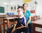 Cậu học trò bị xương thủy tinh đi thi THPT quốc gia ở Bạc Liêu