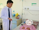 Nữ bệnh nhân mang khối u to như quả dưa hấu