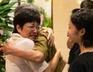 MC Thảo Vân bật khóc khi nhận món quà bất ngờ từ bố mẹ chồng cũ