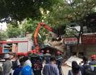 Hà Nội: Sập nhà trên phố Hàng Bông, giải cứu 1 người mắc kẹt