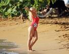 Katy Perry trẻ đẹp khi diện áo tắm đỏ rực