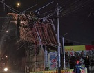 Mưa giông lớn gây hàng loạt sự cố ở Sài Gòn