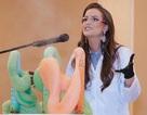 Cử nhân chuyên ngành hóa sinh trở thành Hoa hậu với phần thi tài năng lạ lẫm