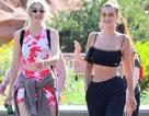 Chị em Gigi Hadid gợi cảm đi chơi công viên